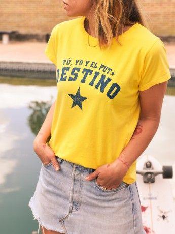 camiseta-chica-tu-yo-el-puto-destino-amarilla